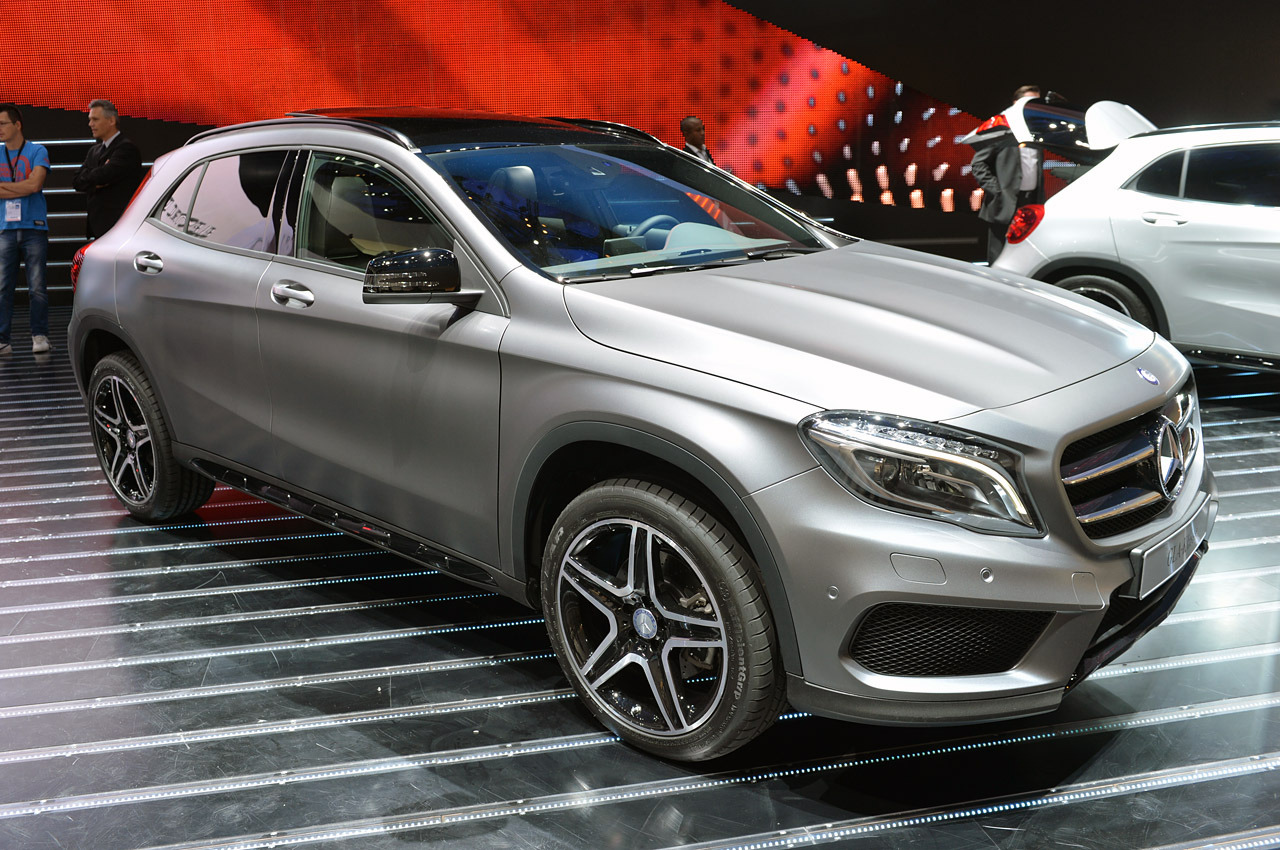 2015 mercedes benz gla class frankfurt 2013 photo gallery. Black Bedroom Furniture Sets. Home Design Ideas