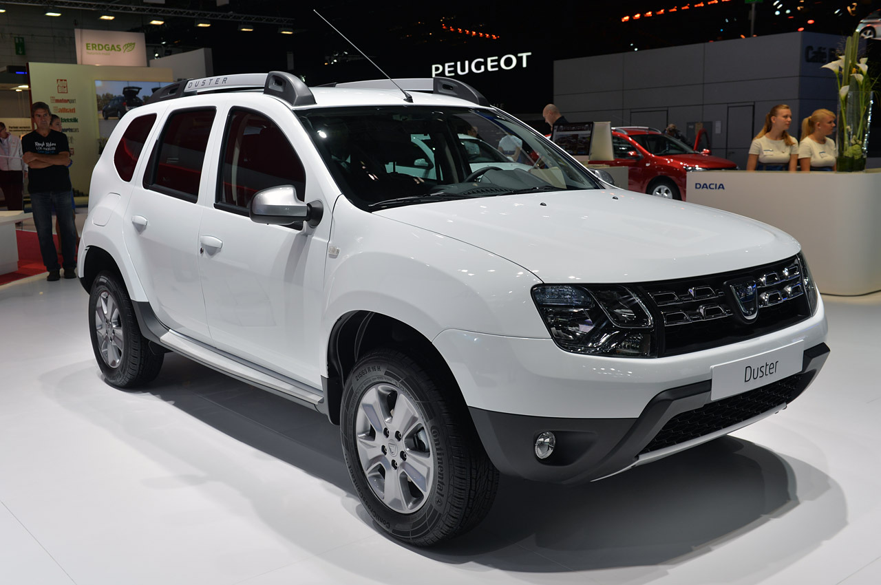 2014 dacia duster frankfurt 2013 photo gallery autoblog. Black Bedroom Furniture Sets. Home Design Ideas