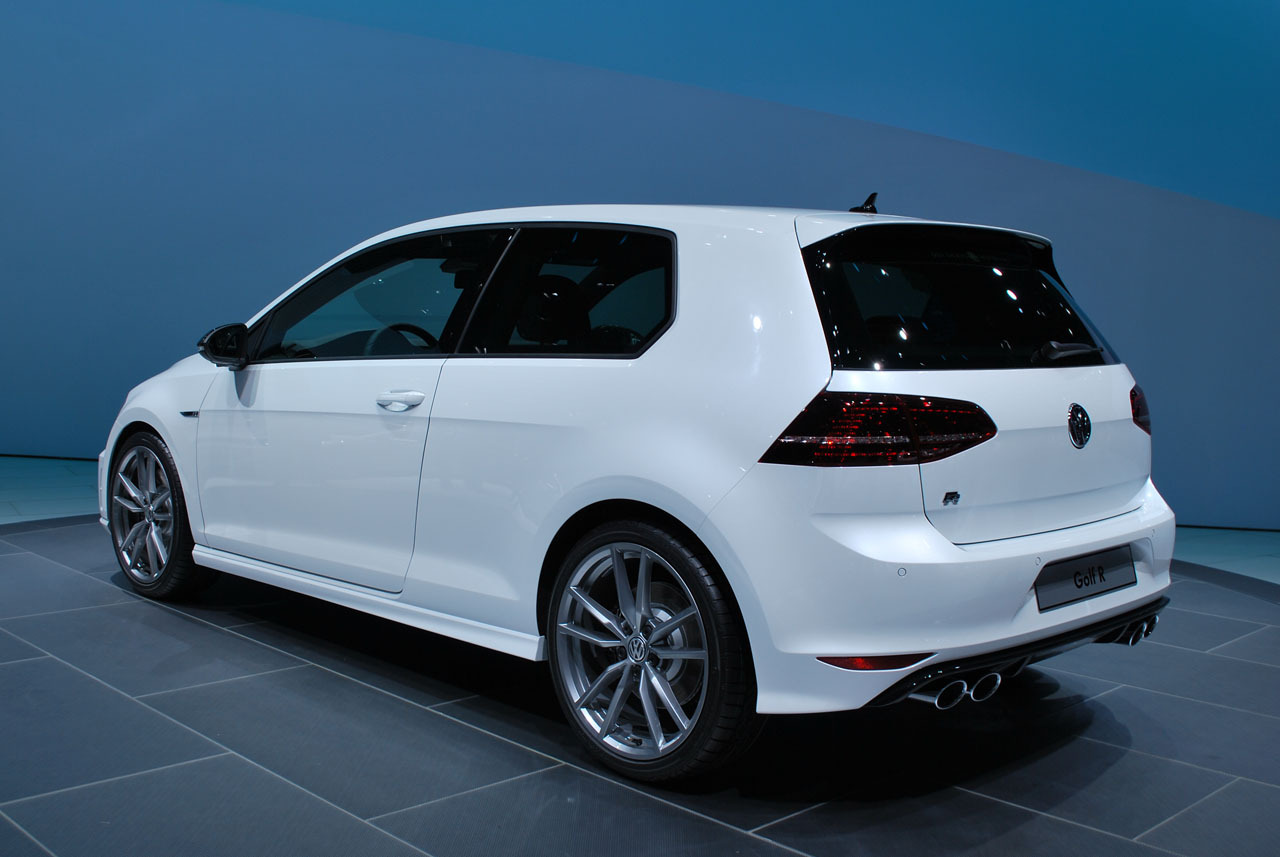 2014 Volkswagen Golf R Frankfurt 2013 Photo Gallery