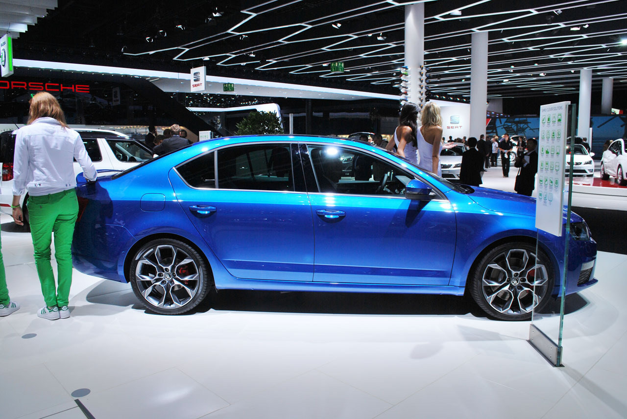 2014 skoda octavia rs frankfurt 2013 photo gallery autoblog. Black Bedroom Furniture Sets. Home Design Ideas