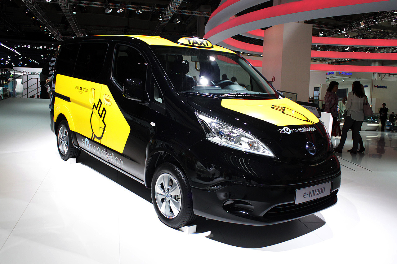 2014 nissan e nv200 taxi frankfurt 2013 photo gallery autoblog. Black Bedroom Furniture Sets. Home Design Ideas