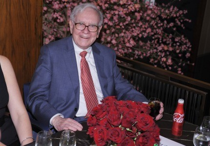 Bids for lunch with Warren Buffett hit $2 million on Monday.