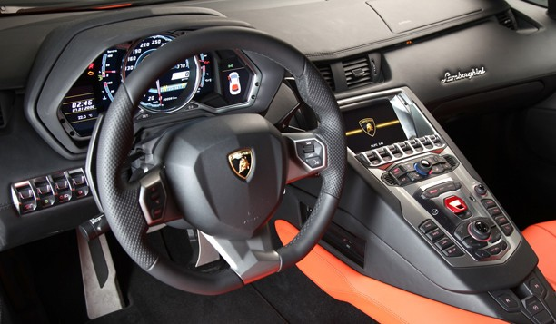 watch this lamborghini aventador 39 s dash nav shows mmi roots autoblog. Black Bedroom Furniture Sets. Home Design Ideas