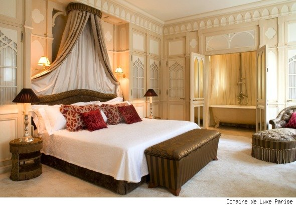 Take three romantic hotels in paris aol travel uk for Hotel couple paris
