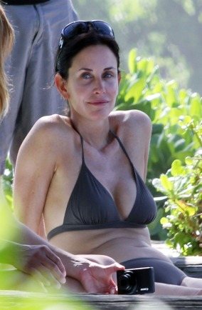 Courteney Cox in Hawaii
