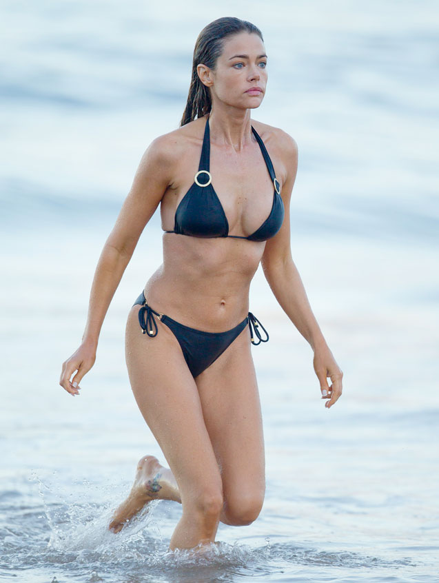 Denise Richards in Hawaii