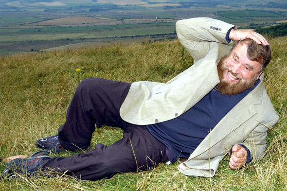 Brian Blessed caught short up a mountain