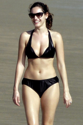 Kelly Brook left undressed in Hawaii