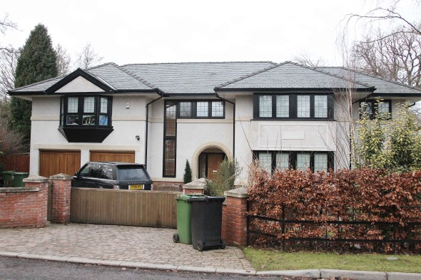 Which star of the football pitch lives in this Cheshire pad?