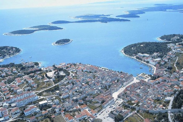 &lt;b&gt;Hvar&lt;/b&gt;
