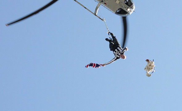 British daredevil sets world straitjacket record dangling 100ft in the air