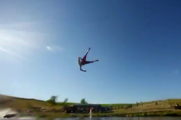 Video: Extreme water slide flings thrill-seekers 120ft through the air
