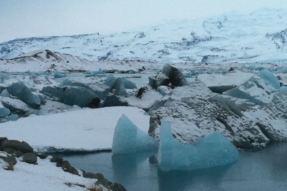 Discover the beauty of the Jokulsarlon glacial lagoon