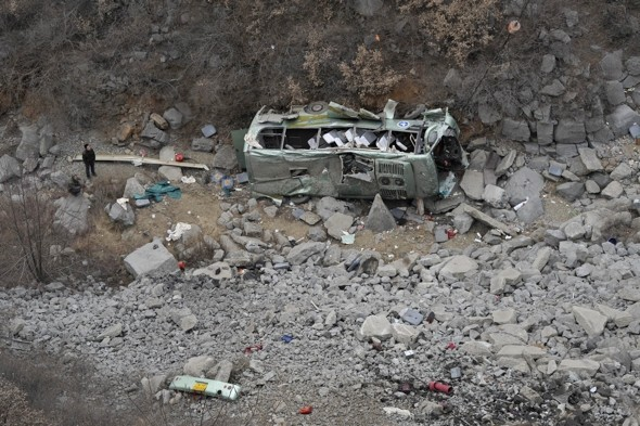 15 tourists killed as bus plunges down ravine