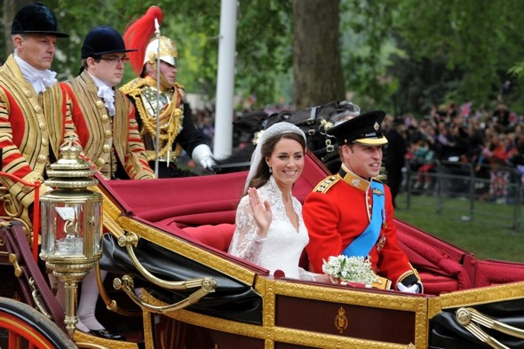 Kate and William to re-enact wedding carriage procession for Queen's Diamond Jubilee