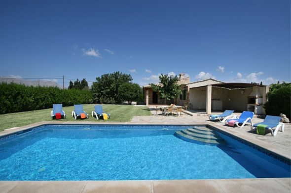 20 per cent off family villa breaks in Mallorca