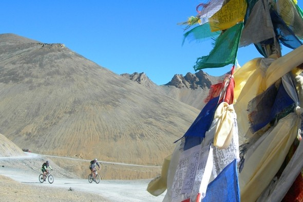 Cycle the world's highest road pass in India