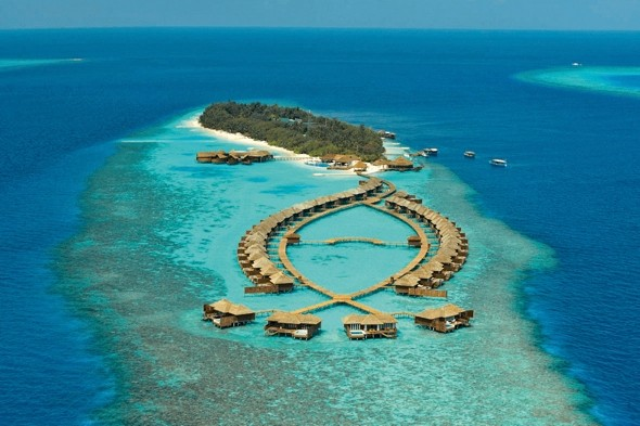 Lily Beach Resort &amp; Spa, Huvahendhoo, Maldives