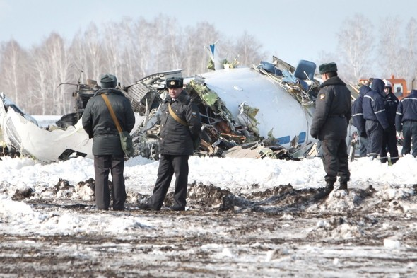 Passenger plane crash kills 31 in Russia