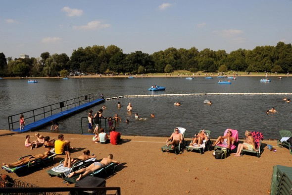 Take an al fresco dip in Serpentine Lido