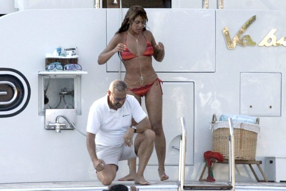 Beyonc beats Kate Middleton to Best Celebrity Bikini Body title