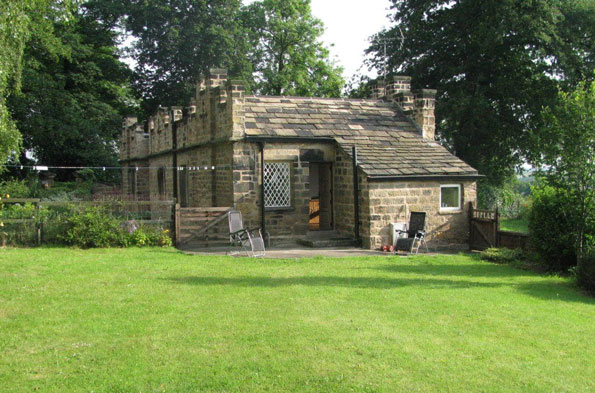 Middlewood Hall Lodge, Barnsley, for £140