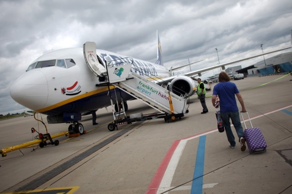Ryanair plans planes with wider doors to speed up boarding