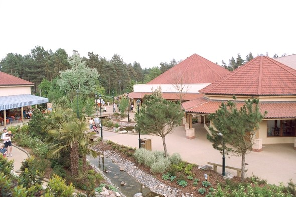 Center Parcs bans paedophile from holiday