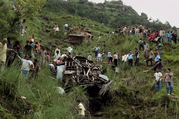 52 killed in Indian bus crash