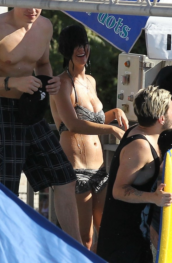 Katy Perry has near bikini malfunction at Californian waterpark