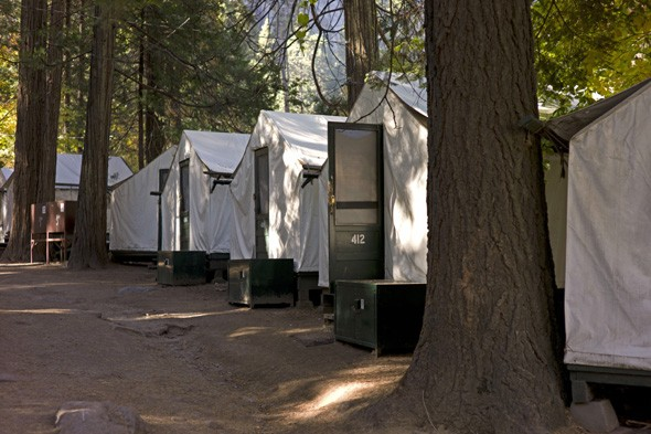 Tourists warned as Yosemite Park-linked virus kills third victim
