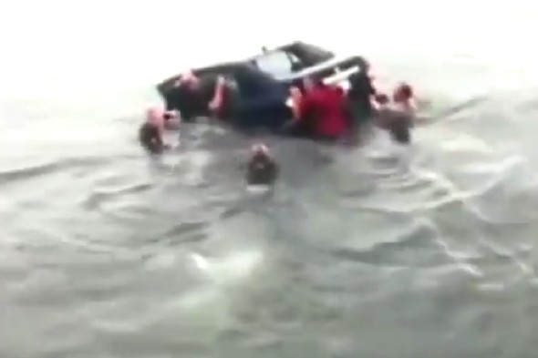 Video: Group of strangers save drowning woman after car crashes into ocean