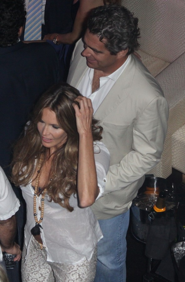 Elle Macpherson's billionaire ex-boyfriend in horror Bahamas holiday helicopter crash