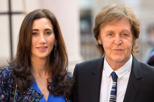 Paul McCartney narrowly avoids helicopter crash