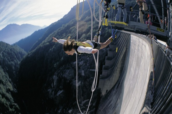 Bungee jump 220 metres from Switzerland's Contra Dam