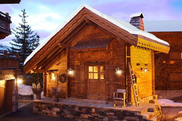 The super-cute ski lodge