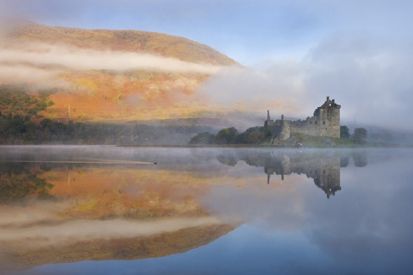 A misty morning beside Loch Awe with views to Kilchurn Castle, Argyll &amp; Bute, Scotland
