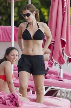 Louise Redknapp's family escape in Barbados
