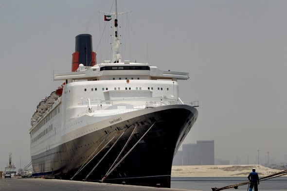 QE2 to be turned into '500-room floating hotel'