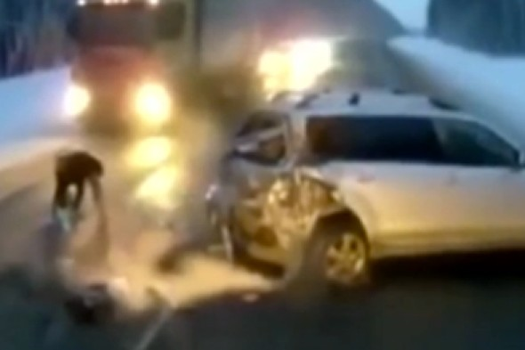 Video: Toddler survives being thrown from car into path of oncoming truck