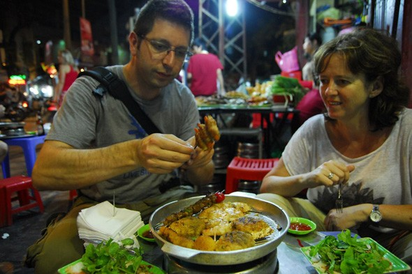 travel hanoi street food