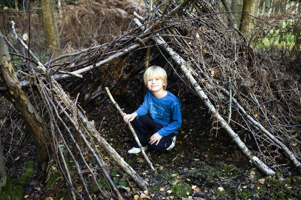 Survive in the wild on a bushcraft break