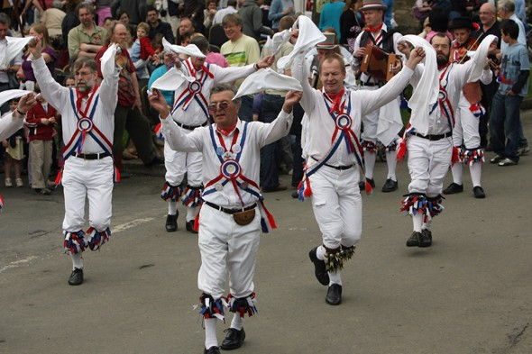 Have a Chat - Page 5 Morris-dancing-getty-1371485140