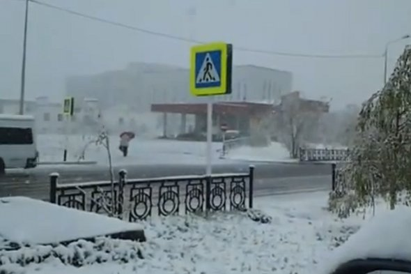 Siberian weather turns from heatwave to heavy snow in just one day