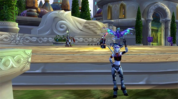 Draenei waving goodbye