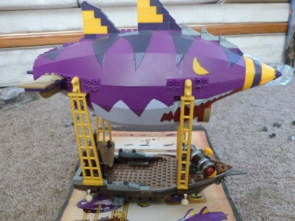Mega Bloks Goblin Zeppelin Ambush handson Not ready