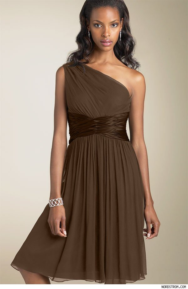 hairstyle for one shoulder dress. We like the the one-shoulder