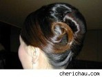 Hairstyles for your Paris wedding