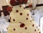 A fabulous focal point: Cakes by Wade