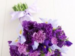 Make a beautiful bouquet from supermarket flowers